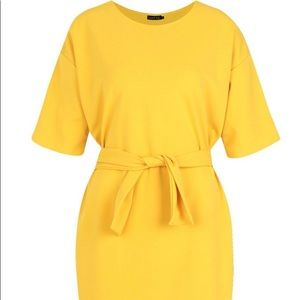 Yellow Boohoo dress. Size 10👗. Very cute